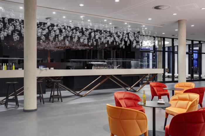 handelsblatt-media-group-offices-dusseldorf-11-700x467